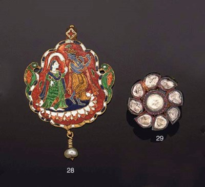 AN INDIAN GOLD, ENAMEL AND PEA