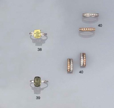 A GREEN SAPPHIRE AND DIAMOND R