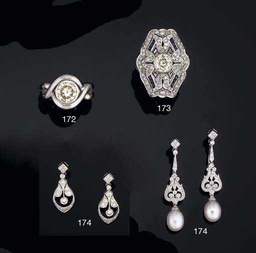 A PAIR OF DIAMOND AND CULTURED PEARL EARPENDANTS AND A PAIR OF DIAMOND EARPENDANTS