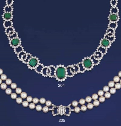 A CULTURED PEARL NECKLACE TO A