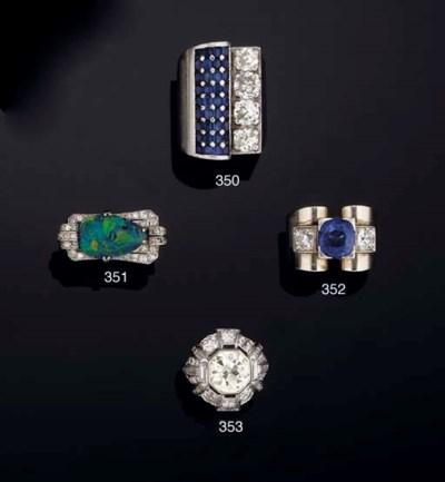 A sapphire and diamond cocktai