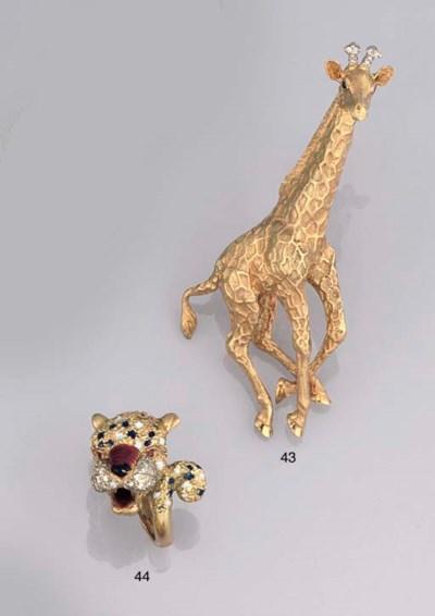 A diamond and enamel leopard r