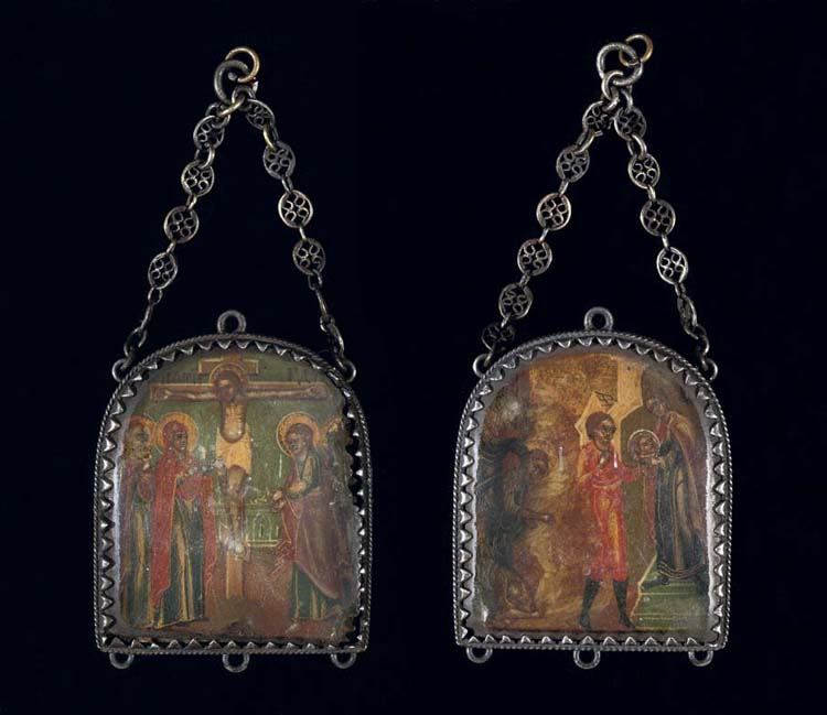 A PENDANT DOUBLE-SIDED ICON