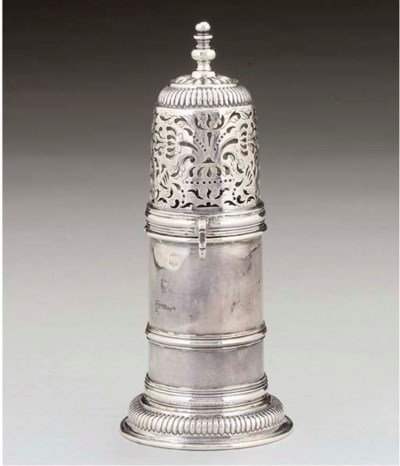 AN EARLY 18TH CENTURY SILVER L