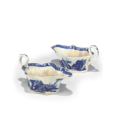 A PAIR OF BOW BLUE AND WHITE S