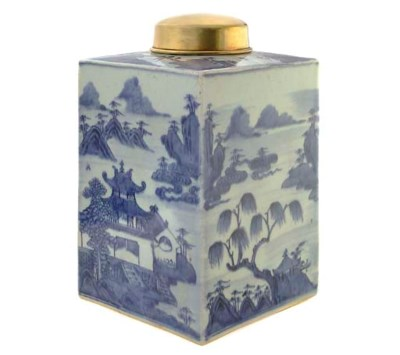 A CHINESE BLUE AND WHITE TEA C