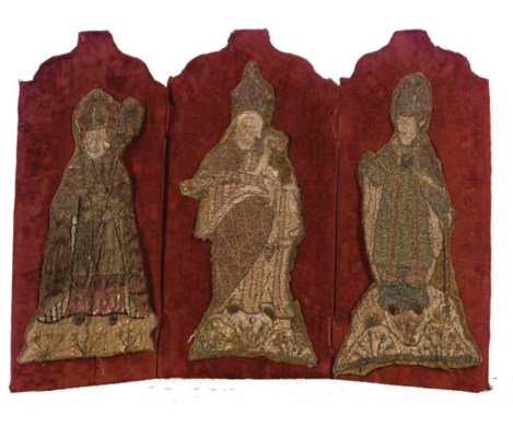 A SMALL COLLECTION OF ORPHREY