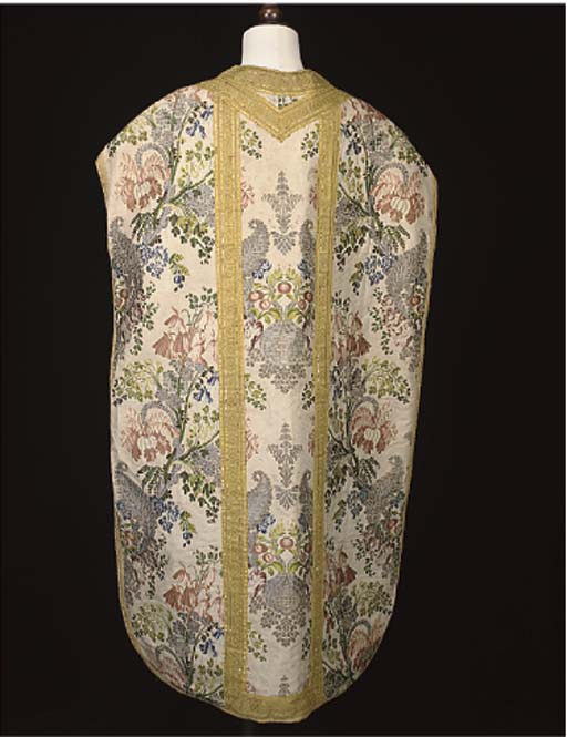 A CHASUBLE, VEIL, STOLE AND MA