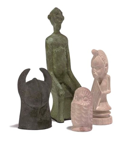 AN AFRICAN BRONZE FIGURAL CHES