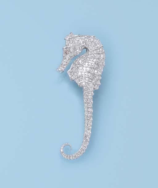 A DELICATE DIAMOND 'SEA HORSE'