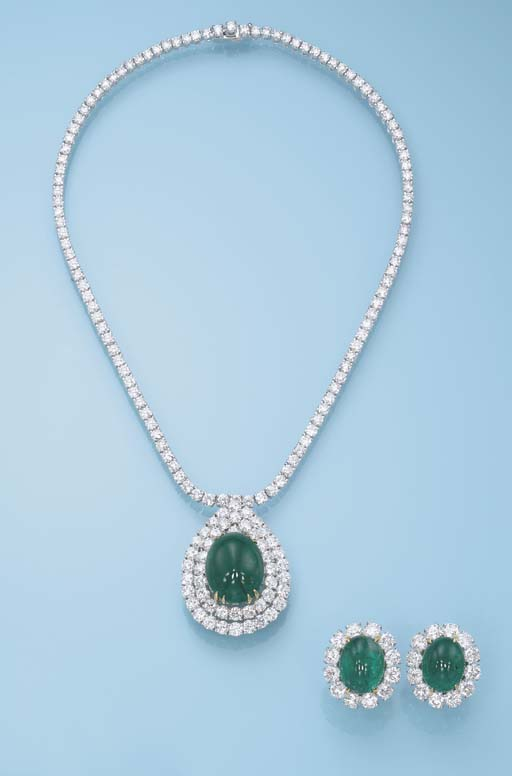 AN EMERALD AND DIAMOND SET