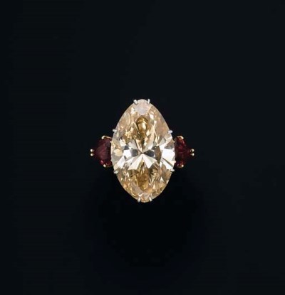 AN IMPRESSIVE COLOURED DIAMOND
