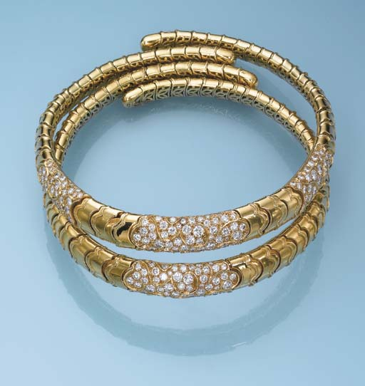 TWO 18K GOLD AND DIAMOND 'ONDA