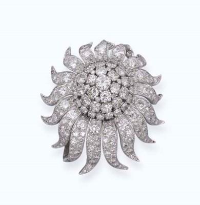 A DIAMOND FLORAL BROOCH, BY VO
