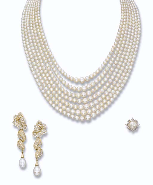A NATURAL PEARL NECKLACE, EAR