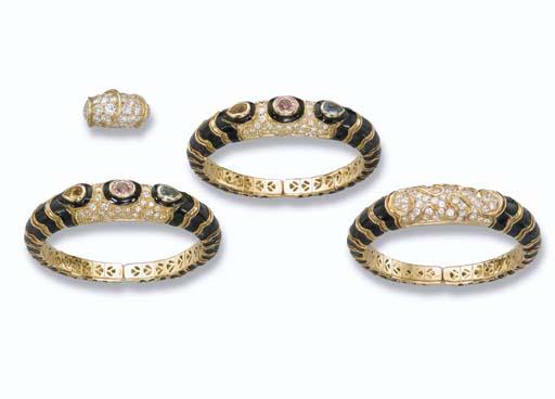A DIAMOND RING, BY GÉRARD AND