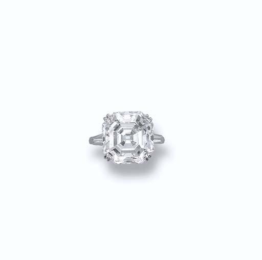 A SUPERB DIAMOND RING, BY CHAU