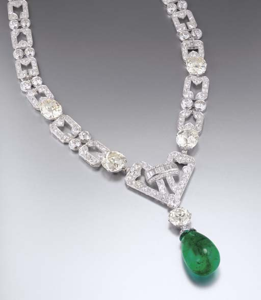 AN IMPRESSIVE ART DECO EMERALD AND DIAMOND NECKLACE, BY CHAUMET