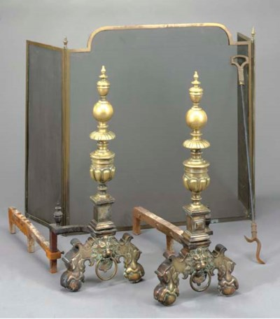 A PAIR OF BRASS ANDIRONS WITH