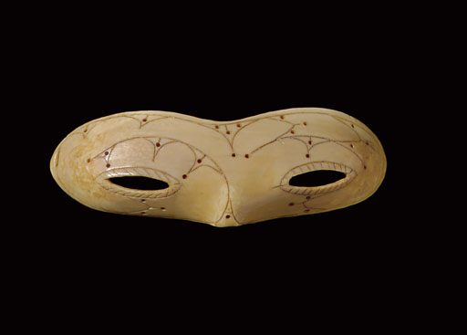 AN IMPORTANT PAIR OF PUNUK ESKIMO ENGRAVED IVORY SNOW GOGGLES**
