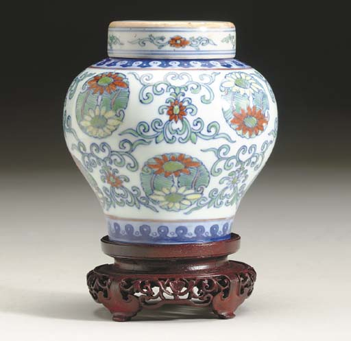 A CHINESE DOUCAI BALUSTER JAR