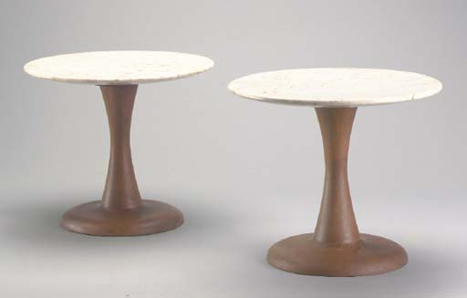 A PAIR OF MARBLE-TOPPED CIRCUL