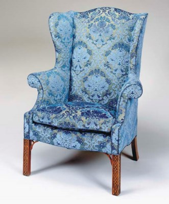 A PAIR OF GEORGE III STYLE FRE