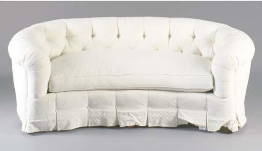 A PAIR OF BUTTON TUFTED CURVED