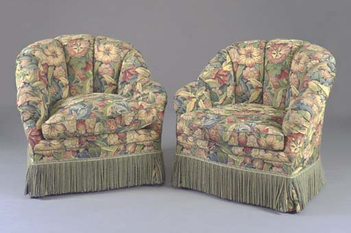 A PAIR OF CONTEMPORARY TUFTED