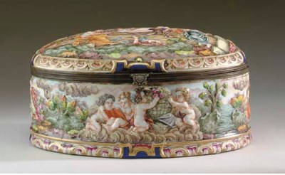 A CAPODIMONTE OVAL CASKET AND