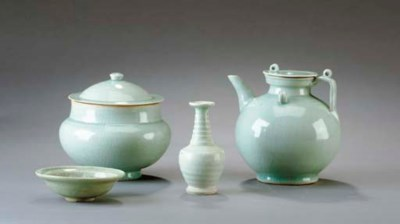 FOUR CHINESE CELADON VESSELS,