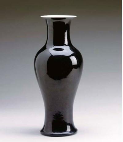 A CHINESE BLACK-GLAZED BALUSTE