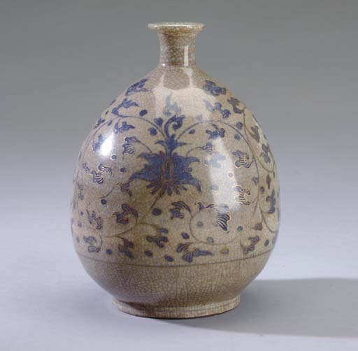A JAPANESE CRACKLE-GLAZED POTT
