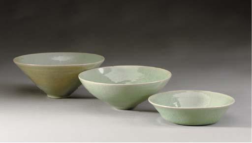 THREE KOREAN CELADON BOWLS,