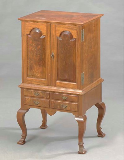 A CHIPPENDALE STYLE DIMINUTIVE