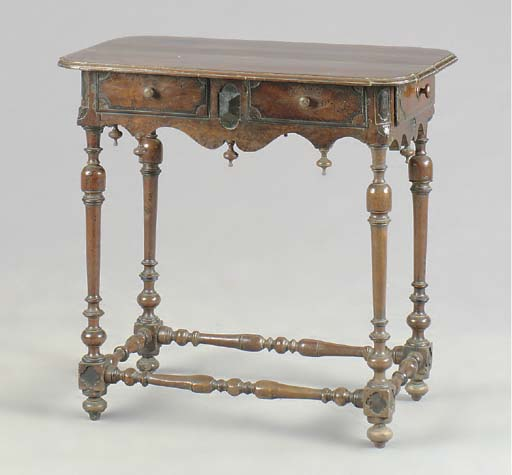A WILLIAM AND MARY WALNUT AND EBONIZED SIDE TABLE,