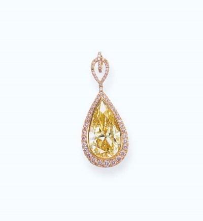 A COLORED DIAMOND PENDANT