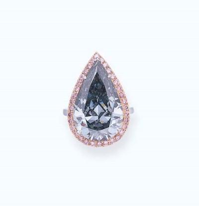 AN UNUSUAL COLORED DIAMOND RIN