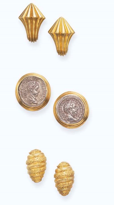 A SET OF GOLD EAR CLIPS