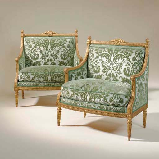 A PAIR OF LOUIS XVI GILT-WALNU