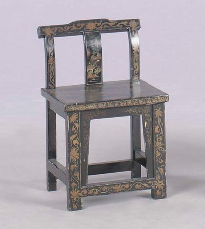 A PAIR OF CHINOISERIE DECORATE