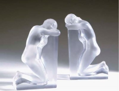 A PAIR OF LALIQUE FROSTED CLEA
