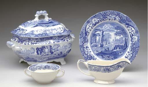 A SPODE PORCELAIN BLUE AND WHITE DINNER SERVICE,