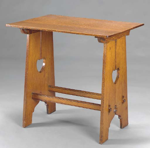 AN ENGLISH ARTS AND CRAFTS OAK SIDE TABLE,