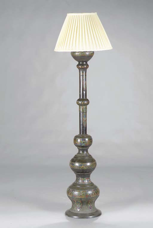 A CLOISONNÉ AND BRONZE STANDING LAMP,
