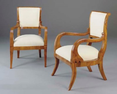 A PAIR OF BIEDERMEIER WALNUT U