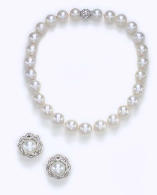 A SUITE OF CULTURED PEARL AND
