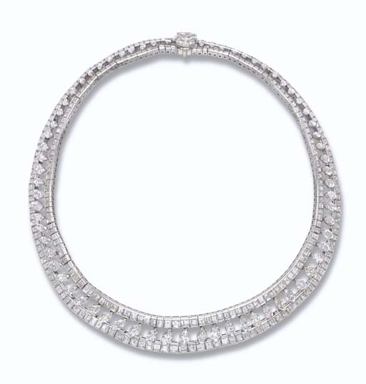 A FINE DIAMOND NECKLACE, BY HA