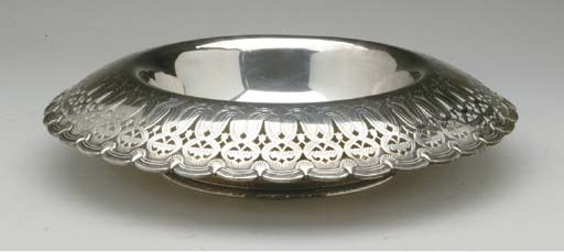 AN AMERCIAN SILVER BOWL AND TW