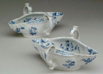 A PAIR OF WORCESTER BLUE AND W